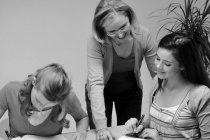 NachhilfelehrerIN für Englisch, Italienisch und Volksschule  in STEYR Steyr  Teilzeit/Aushilfskraft geringfügig oder mehr bei Schülerhilfe Mag. F.Wurm GmbH - in 30 Sek. bewerben - Job 4837457