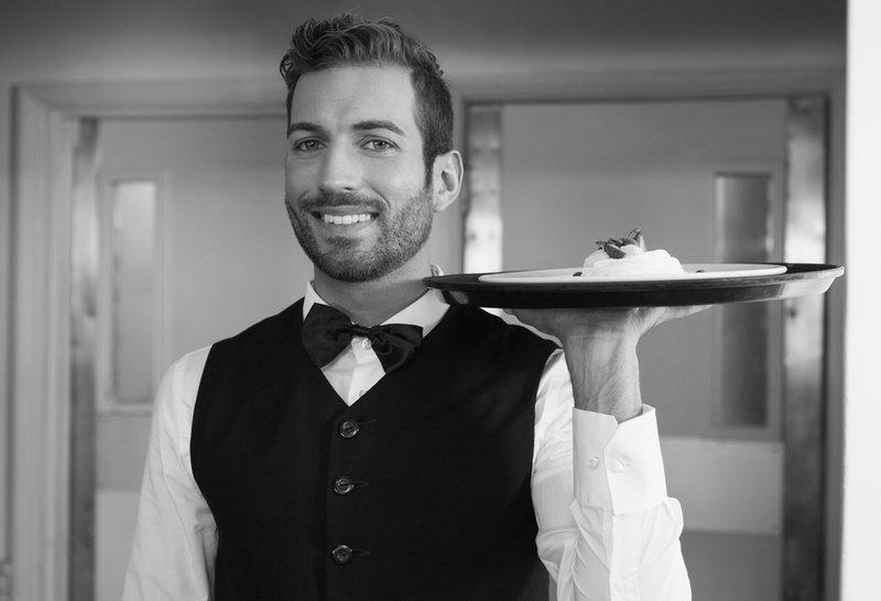 Stellvertretende Serviceleitung m/w Lech  Vollzeit € 2.700 brutto bei einer 6-Tage Woche bei Alpin.Sport.Hotel Cresta - in 30 Sek. bewerben - Job 4623576